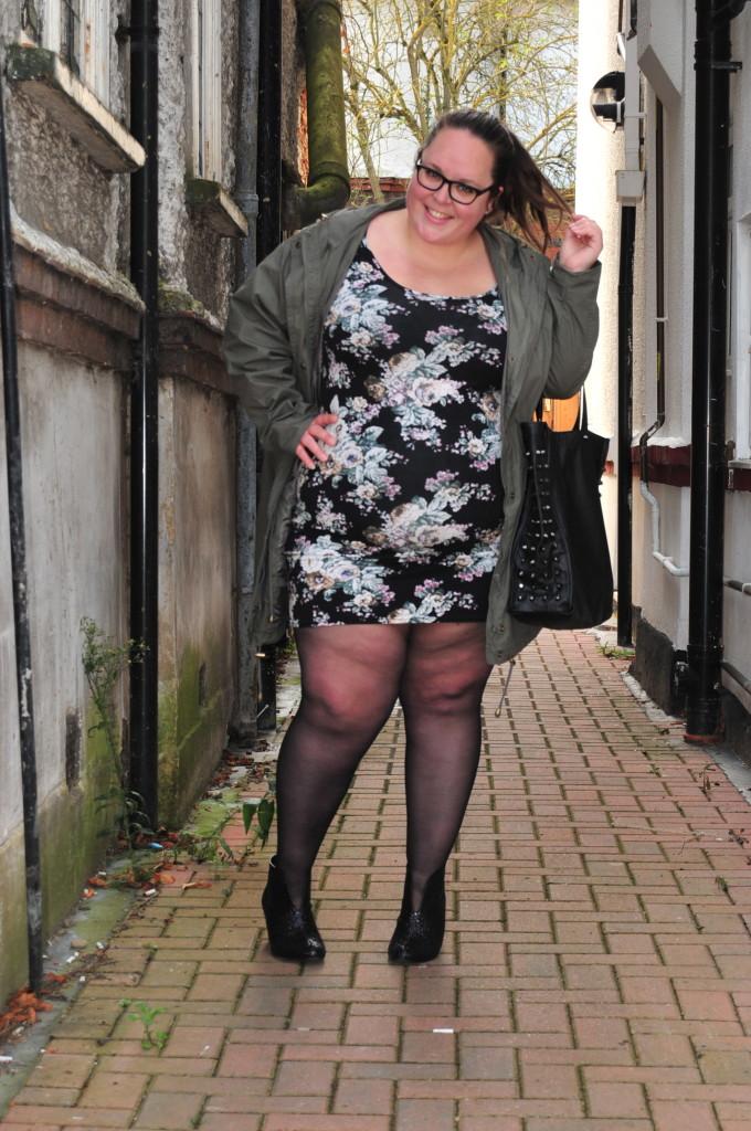 фото толстые ноги баб в юбках пары
