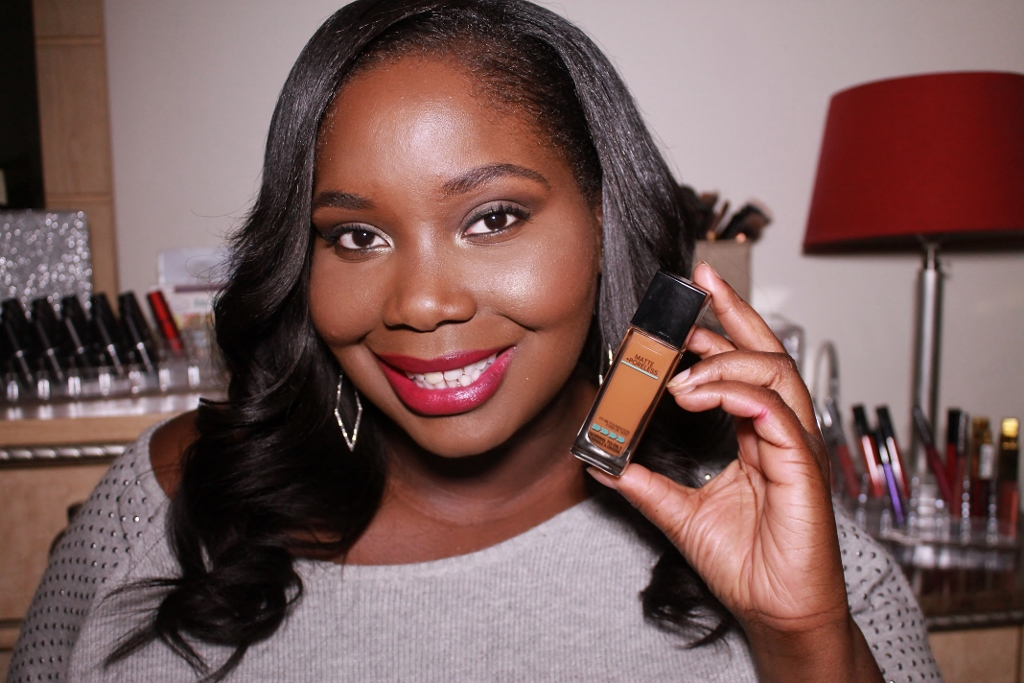 Productoverzicht: Maybelline Matte Poreless Foundation For Dark Skin productoverzicht poreless maybelline matte foundation