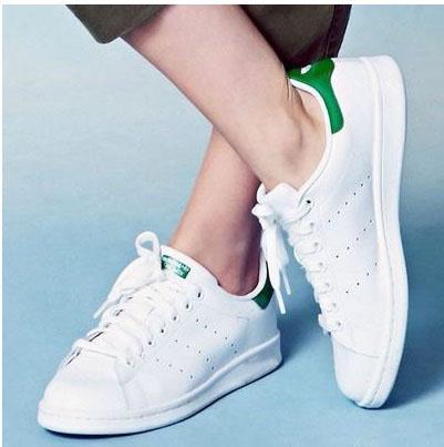 3 Must Have Summer Sneakers die elk meisje nodig heeft sportschoenen
