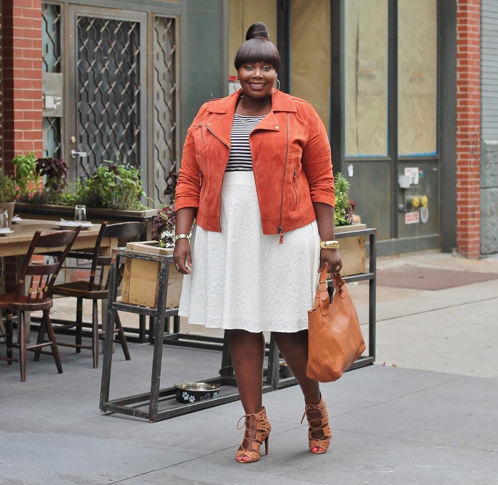 Keeping It Chic in een Suede ASOS Curve Moto Jacket suede keeping jacket curve