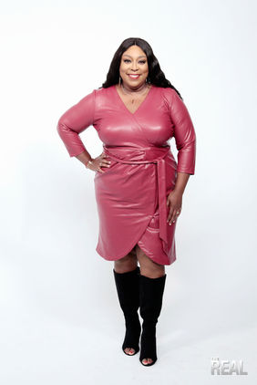 Loni Love outfits